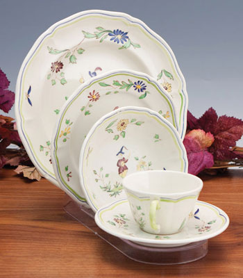Cup & Saucer Stands, Platter Stands, Bowl Stands & Dinnerware Place ...